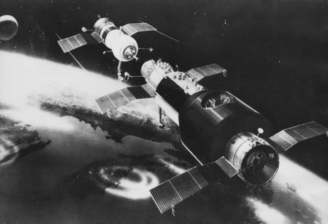 Những sự cố đáng tiếc của các cuộc du hành vũ trụ trong lịch sử - Ảnh 8.