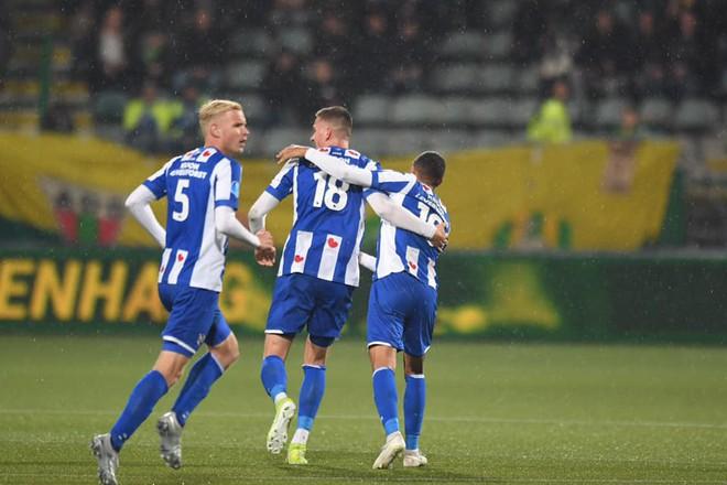 Heerenveen vất vả giành 1 điểm, HLV Park Hang-seo thêm lo lắng về Đoàn Văn Hậu - Ảnh 1.