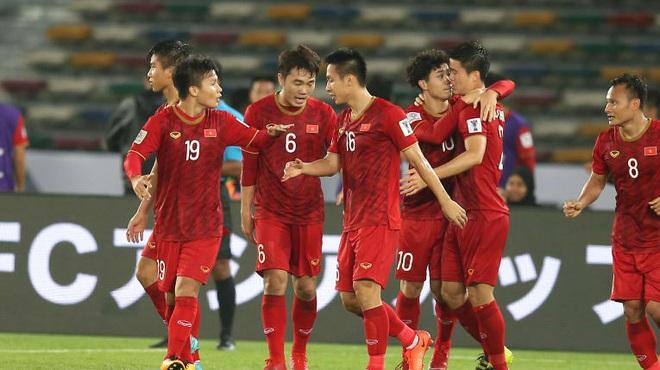 AFC vinh danh Việt Nam trong bài tổng kết 10 năm rực rỡ của bóng đá châu Á - Ảnh 1.
