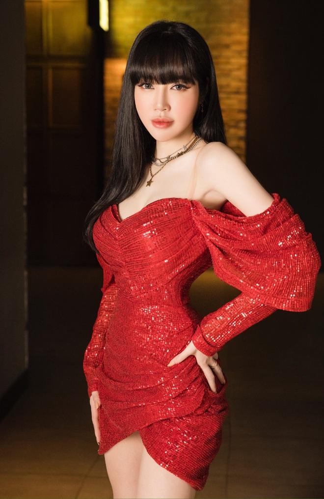 Elly Trần mặc sexy, ôm chặt Nam Thư tại sự kiện - Ảnh 7.