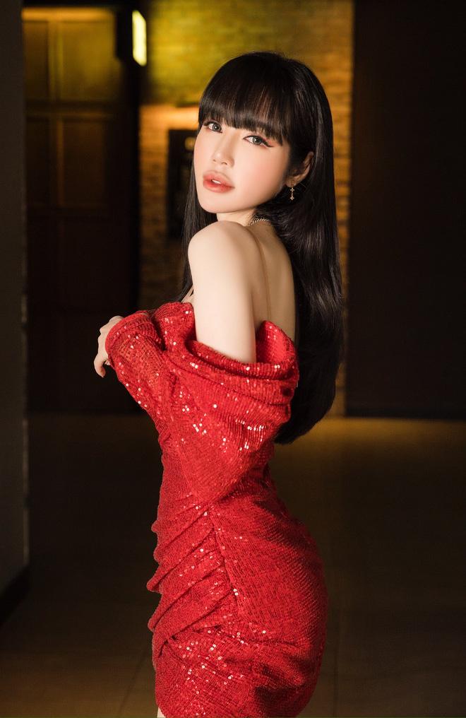 Elly Trần mặc sexy, ôm chặt Nam Thư tại sự kiện - Ảnh 6.