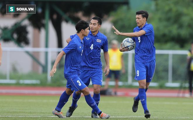 Trùng hợp: Thái Lan 2 lần tan mộng vì 2 trận hòa 2-2 cách nhau đúng một năm - Ảnh 2.