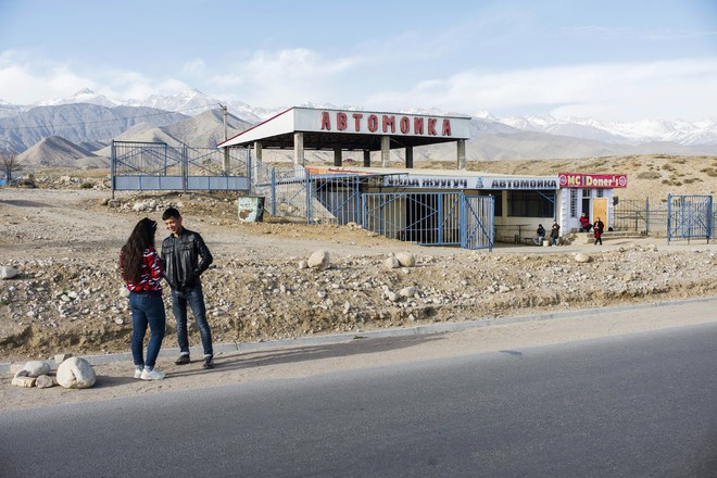 Người Kyrgyzstan sốc nặng khi nhận lại dự án thi công từ nhà thầu không có kinh nghiệm của TQ - Ảnh 6.