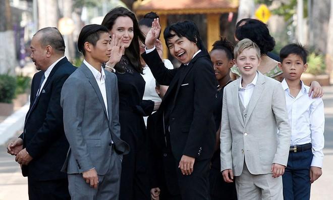 Tại sao Angelina Jolie chọn cậu bé châu Á Maddox kế thừa tài sản 2600 tỷ đồng mà không phải con ruột? - Ảnh 2.