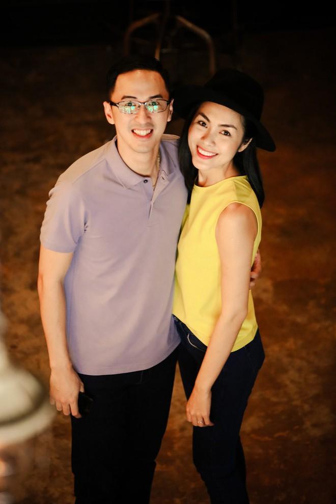 Ngoài Cường Đô la - Đàm Thu Trang, showbiz Việt không thiếu những cặp chân dài - đại gia hạnh phúc với cuộc sống gia đình bình yên - Ảnh 2.