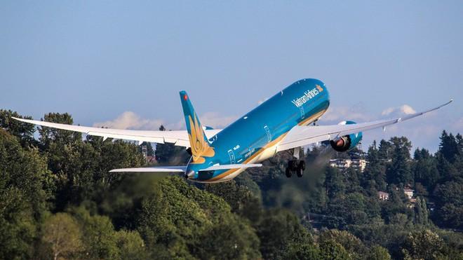 Cận cảnh siêu máy bay Boeing 787-10 lớn nhất Việt Nam đáp xuống Nội Bài - Ảnh 5.