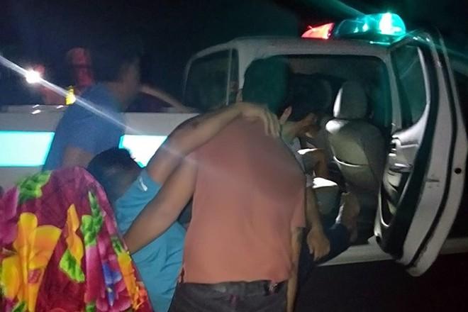 Hiện trường kinh hoàng xe khách giường nằm tông xe tải khiến 16 người thương vong - Ảnh 6.