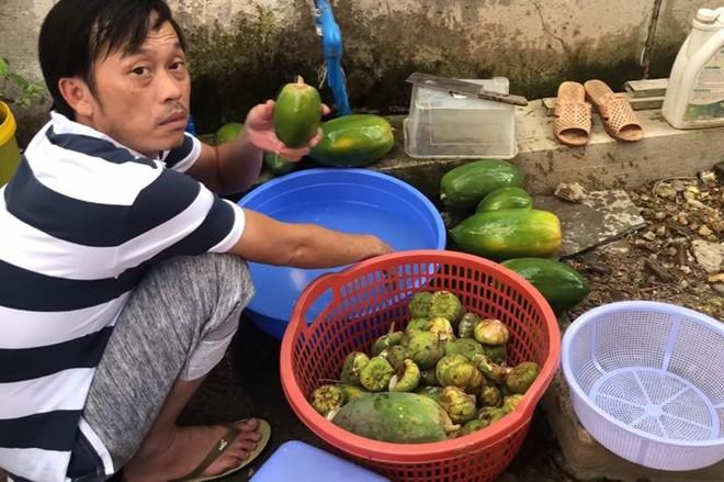 Hoài Linh sống như nông dân trong nhà thờ trăm tỷ - Ảnh 2.