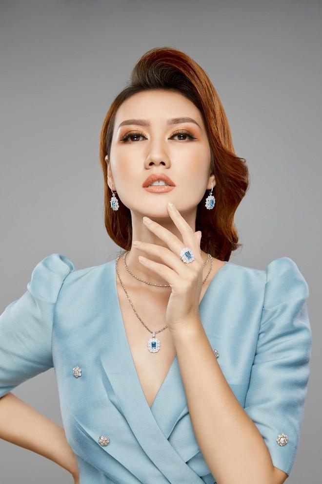 MC Hương Giang nói về mối quan hệ với bạn trai kém tuổi: Chuyện tình cảm hiện nay đang bùng nhùng lắm - Ảnh 5.