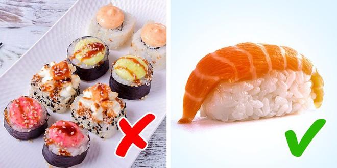 Nhóm thực phẩm độc hơn cả thuốc lá nếu bạn ăn quá nhiều - Ảnh 1.