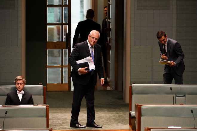 Nữ nghị sĩ bật khóc trước quốc hội: Người Hoa ở Úc bị lôi vào vòng xoáy cùng câu hỏi cực hóc búa về mối quan hệ với TQ - Ảnh 1.