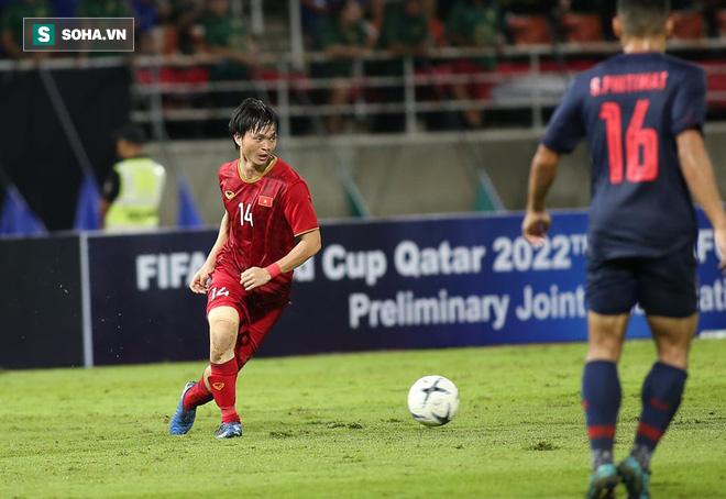 HLV Park Hang-seo lên tiếng về chiếc thẻ vàng, dành lời khen ngợi cho Tuấn Anh - Ảnh 1.