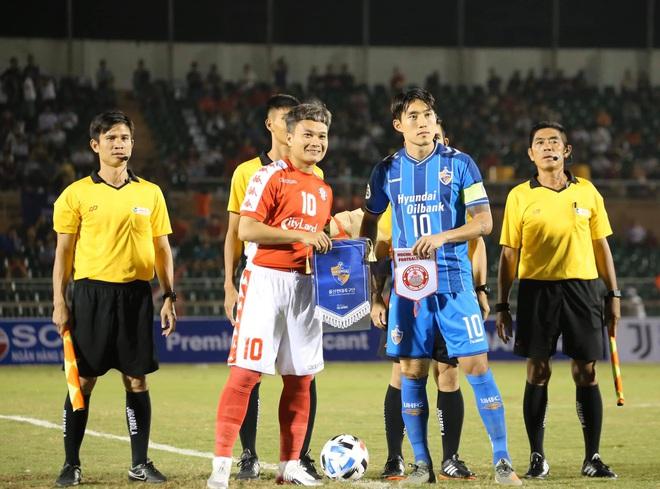 Công Phượng ra sân, TP.HCM thua cường địch từ Hàn Quốc - Ảnh 1.