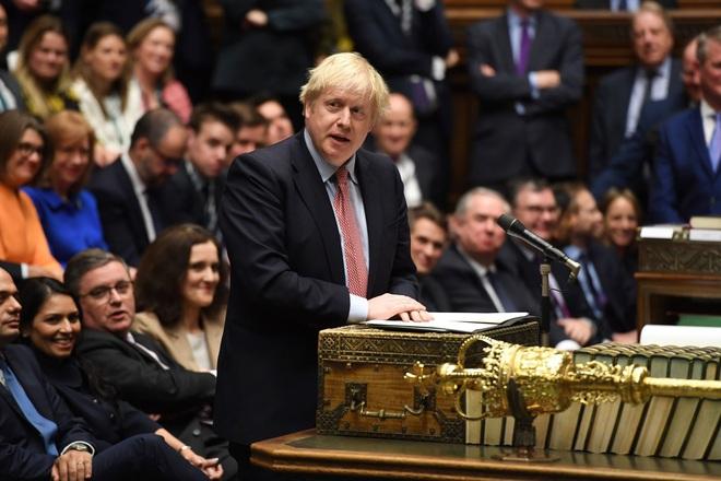 Nữ hoàng Elizabeth Đệ nhị ký dự luật Brexit đưa Anh rời EU - Ảnh 1.