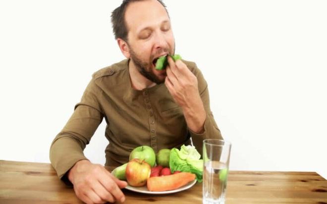 Nguyên nhân làm suy giảm sức khỏe nam giới - Ảnh 3.
