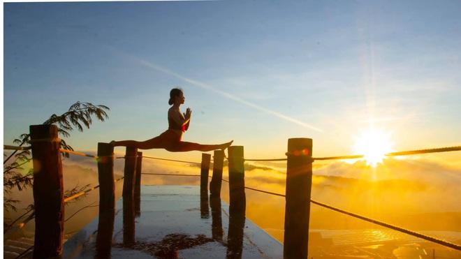 img8564 15851273185442064635061 - Bộ ảnh tập Yoga vòng quanh thế giới tuyệt đẹp, danh tính của nhân vật chính còn gây bất ngờ hơn