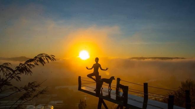 img8565 15851273185471745075618 - Bộ ảnh tập Yoga vòng quanh thế giới tuyệt đẹp, danh tính của nhân vật chính còn gây bất ngờ hơn