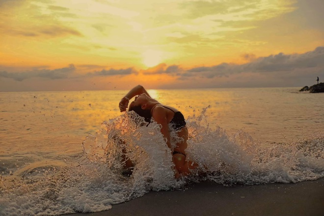 img8573 1585127608774749576785 - Bộ ảnh tập Yoga vòng quanh thế giới tuyệt đẹp, danh tính của nhân vật chính còn gây bất ngờ hơn