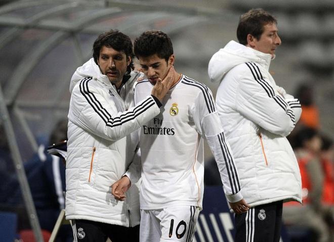 4 năm sau ngày xỏ mũi Ronaldo, con trai Zidane sa sút thảm hại, đến người quen còn hắt hủi - Ảnh 3.