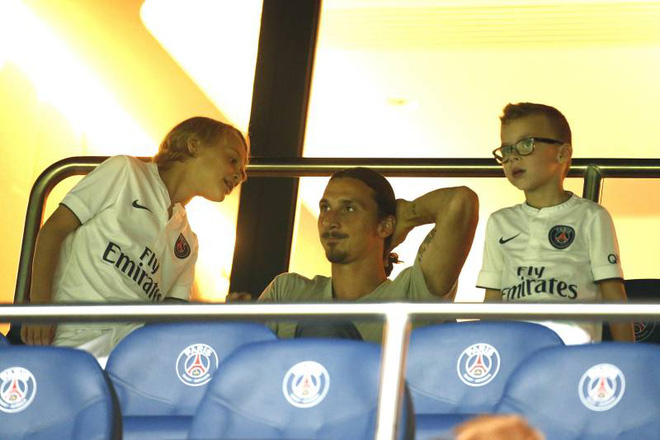 Âm thầm truyền nghề cho 2 quý tử, Ibrahimovic sẽ có ngày báo thù rửa hận Ronaldo? - Ảnh 2.