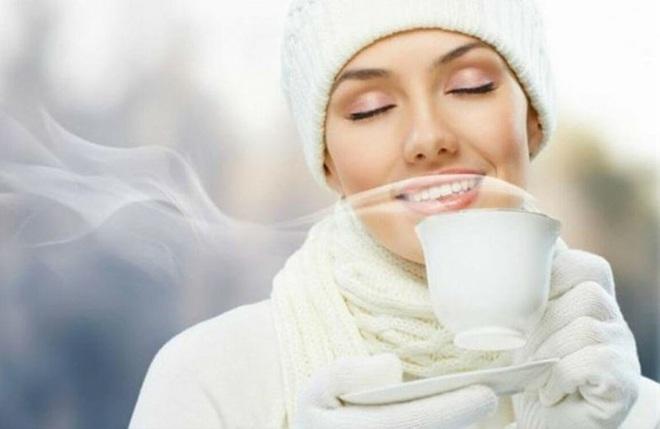 Điều xảy ra nếu bạn uống nước ấm mỗi sáng khi thức dậy? - Ảnh 2.