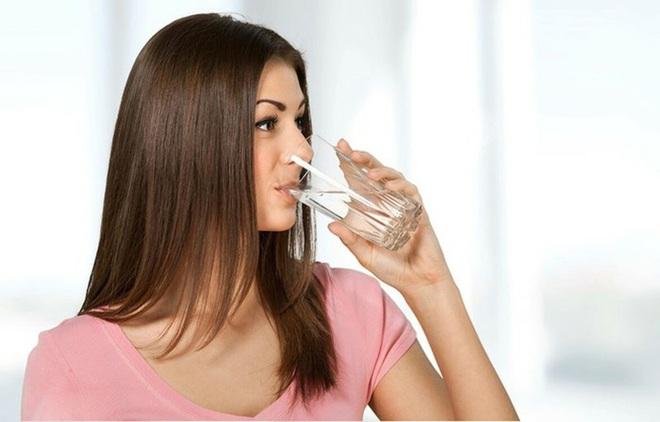 Điều xảy ra nếu bạn uống nước ấm mỗi sáng khi thức dậy? - Ảnh 4.