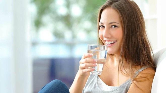Điều xảy ra nếu bạn uống nước ấm mỗi sáng khi thức dậy? - Ảnh 8.