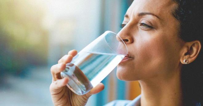 Điều xảy ra nếu bạn uống nước ấm mỗi sáng khi thức dậy? - Ảnh 9.