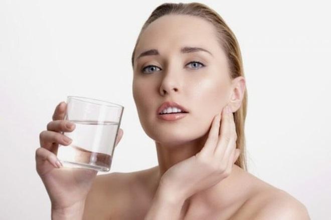Điều xảy ra nếu bạn uống nước ấm mỗi sáng khi thức dậy? - Ảnh 10.